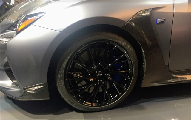 レクサスRCF,F10周年記念特別仕様車のアルミホイール画像