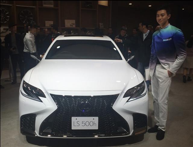 東京モーターショー2017,レクサスLS,新型,LS500hFスポーツを前から見た画像
