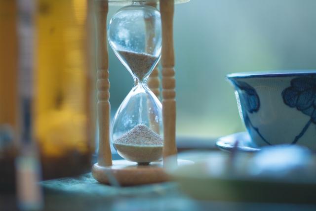 レクサス,砂時計とカップの写真