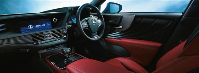 レクサスLS,新型,Fスポーツ専用本革ウルトラスエードとスポーツシートの画像