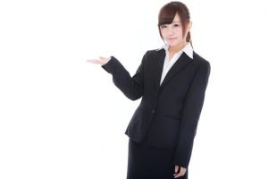 レクサス,LEXUS,ご案内するスーツの女性の画像