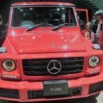 東京モーターショー2017,メルセデスベンツ赤いG-Classを前から見た画像