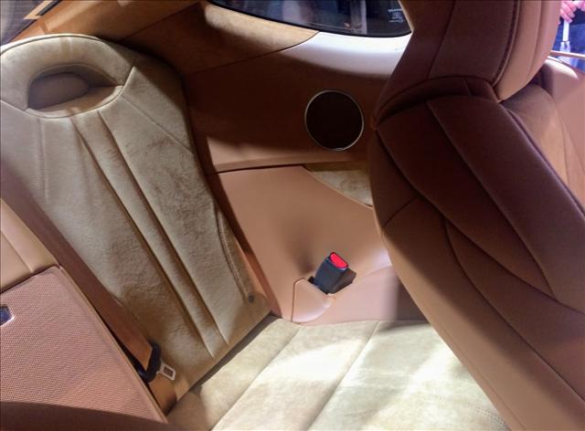 レクサスLC500の内装,リヤシートの画像