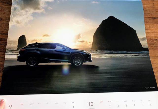 レクサスカレンダー2018のRX450hFスポーツの画像