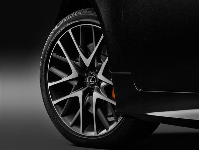 レクサスrc特別仕様車F SPORT Prime Blackのアルミホイール画像