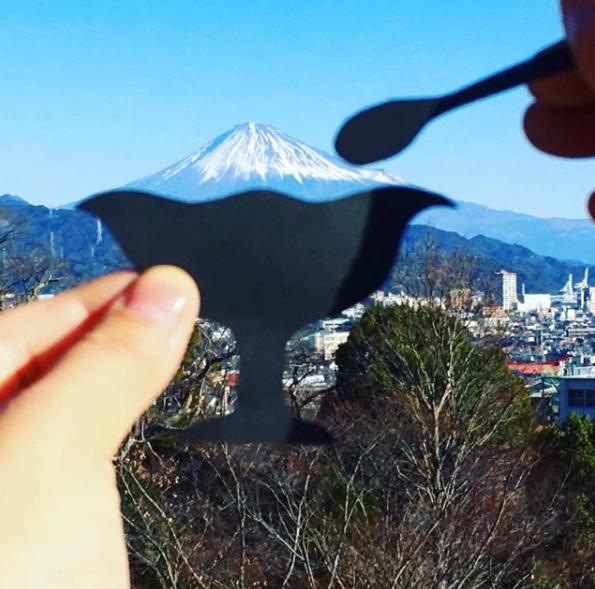 インスタグラムの富士山と切り絵の画像