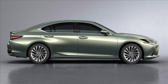 レクサスES新型サンライトグリーンマイカメタリックの画像