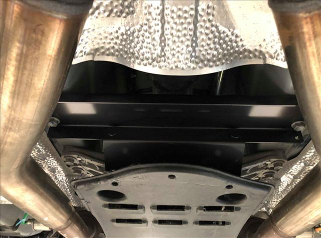 レクサスIS250にTRDのメンバーブレースを装着した画像